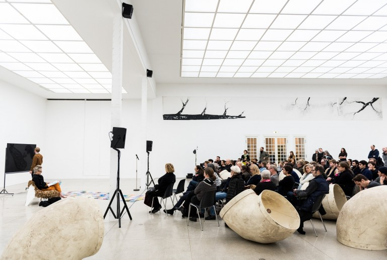 SHOW 'N TELL. Lecture/Demonstration mit Lutz Bacher & Peter Currie, 11. Februar 2016, Foto: Isabelle Rindler